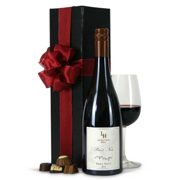 gift-baskets-levantine-hill-pinot-noir-gift-boxed