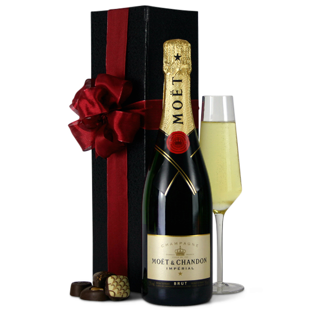gift-baskets-moet-and-chandont-gift-box